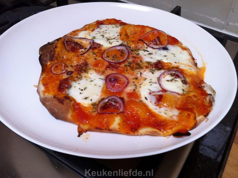 Zelf pizzadeeg maken is makkelijk!