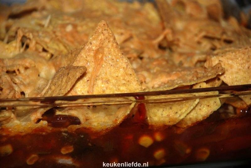 Ovenschotel met tortillachips-kaaskorst