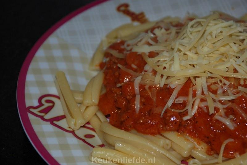 Pasta met zelfgemaakte bolognesesaus