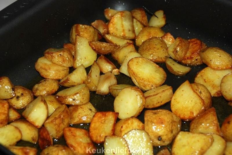 aardappels uit de oven met knoflook en rozemarijn - keuken♥liefde