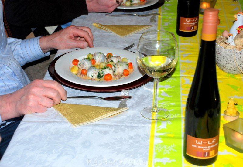 Tongrolletjes met spinazie en champagnesaus