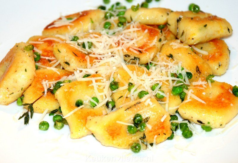 Homemade gnocchi met doperwten