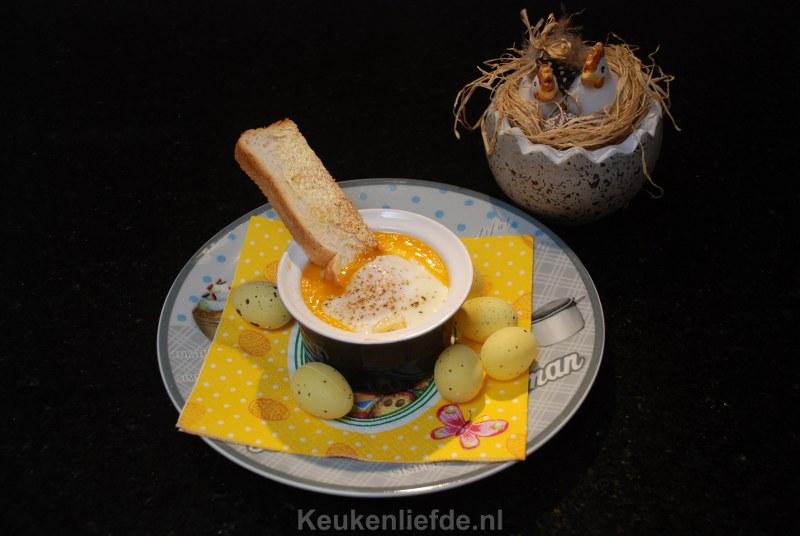 Oeuf en cocotte met zalm