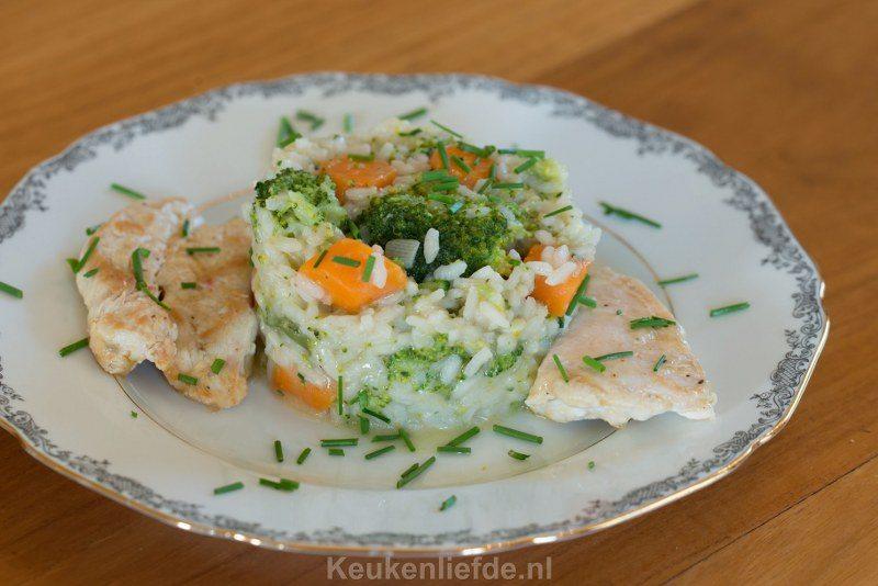 Risotto met broccoli, wortel en kip