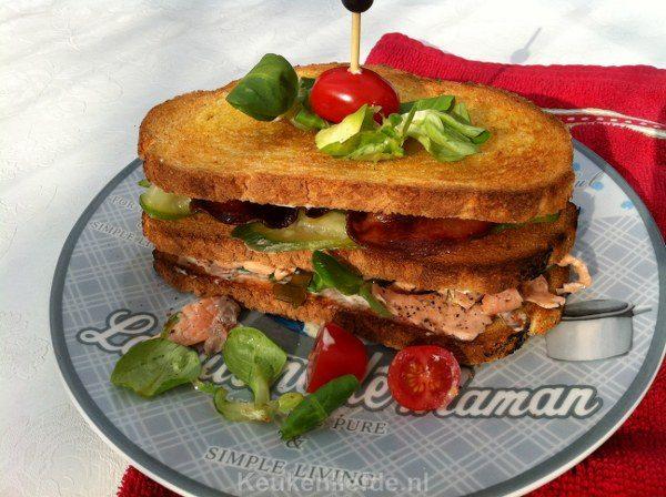 Club sandwich met zoetzure zalm