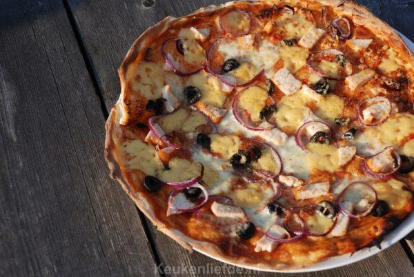 Pizza barbecue chicken