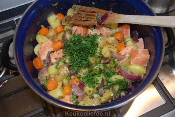 Aardappelpannetje met zalmfilet