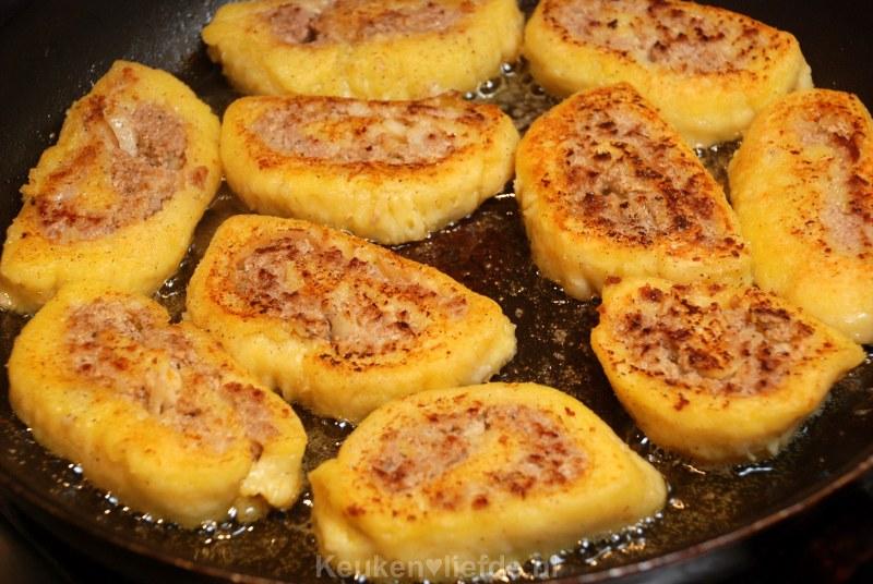 Gehaktrollade in aardappeldeegkorst