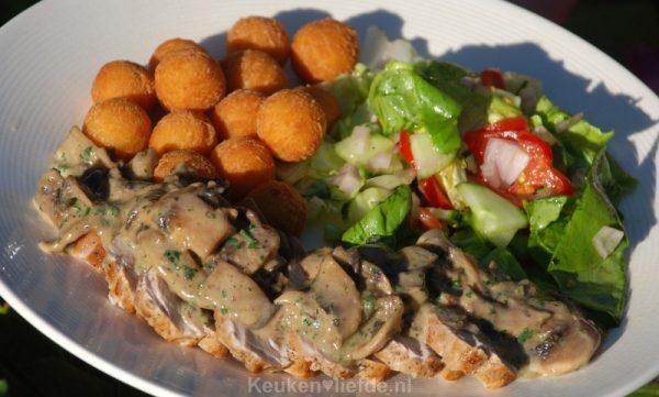 Varkenshaas met champignonroomsaus