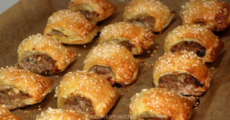 Oud Hollandse Keuken Recepten : Deze mini worstenbroodjes zijn het perfecte warme hapje om te serveren