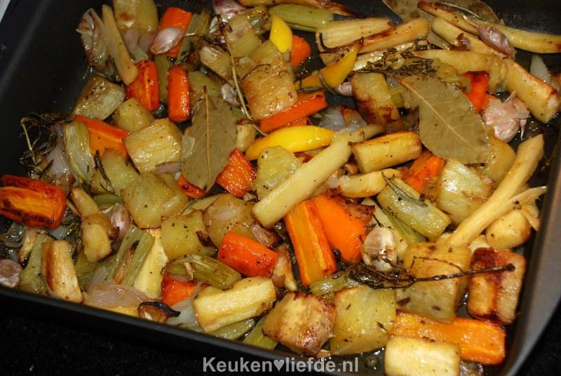 Geroosterde groenten uit de braadslee