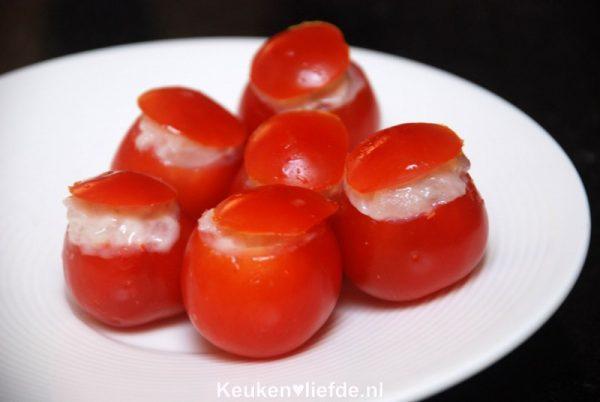Gevulde cherrytomaatjes met haringtartaar