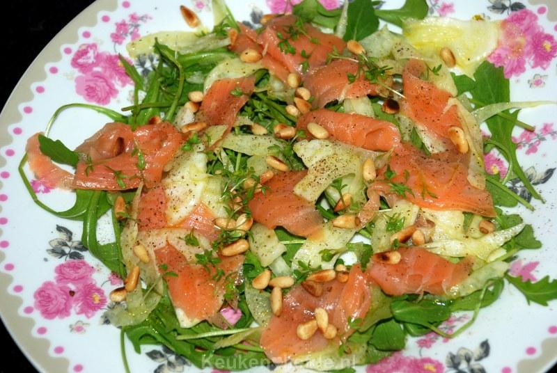 Salade met gerookte zalm en gemarineerde venkel