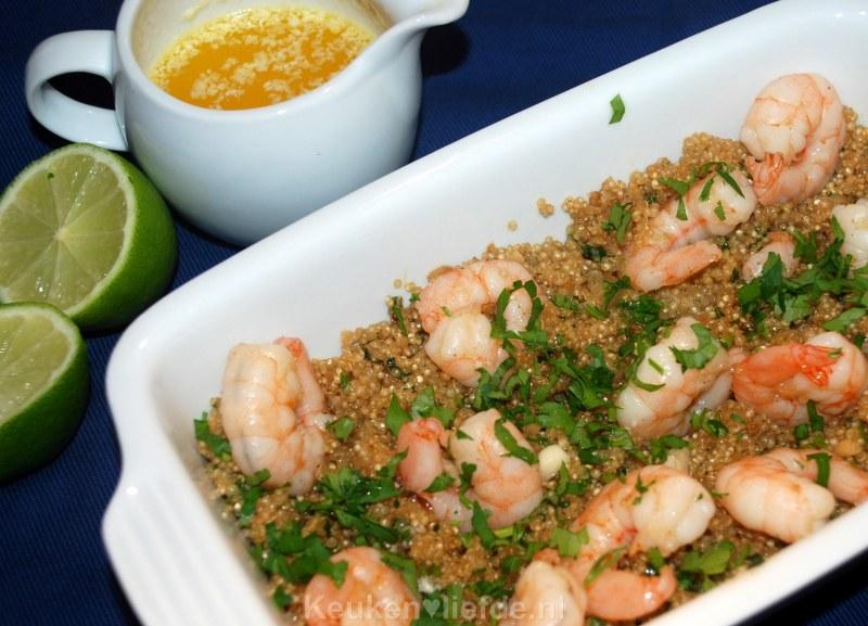 Quinoa met knoflookgarnalen en botersaus