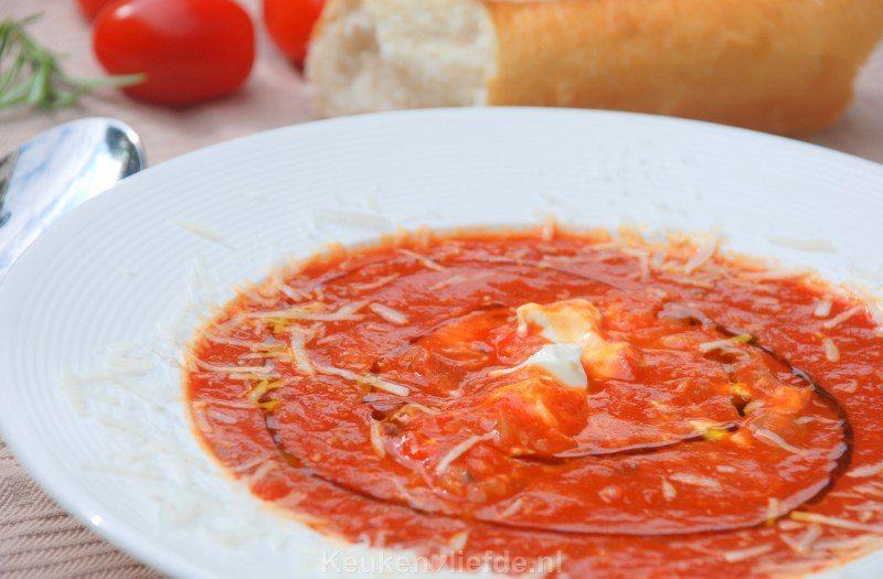 Geroosterde tomatensoep met mascarpone