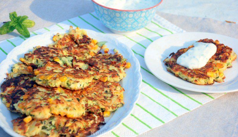 Courgettekoekjes met aardappel, mais en feta