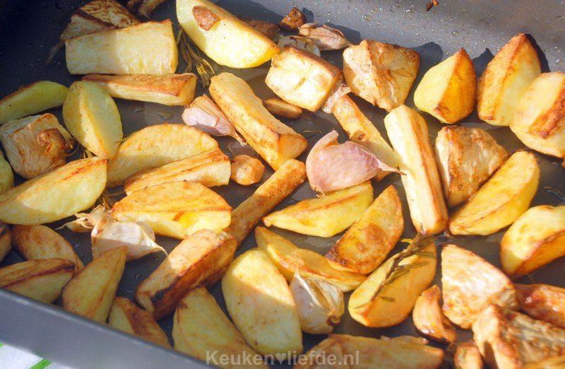 Aardappels, pastinaak en knolselderij uit de oven