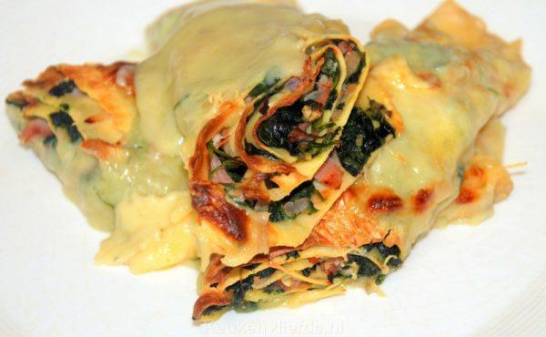Flensjes met spinazie en romige roquefortsaus