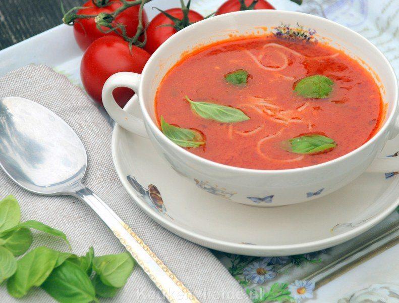 Simpele tomatensoep met vermicelli