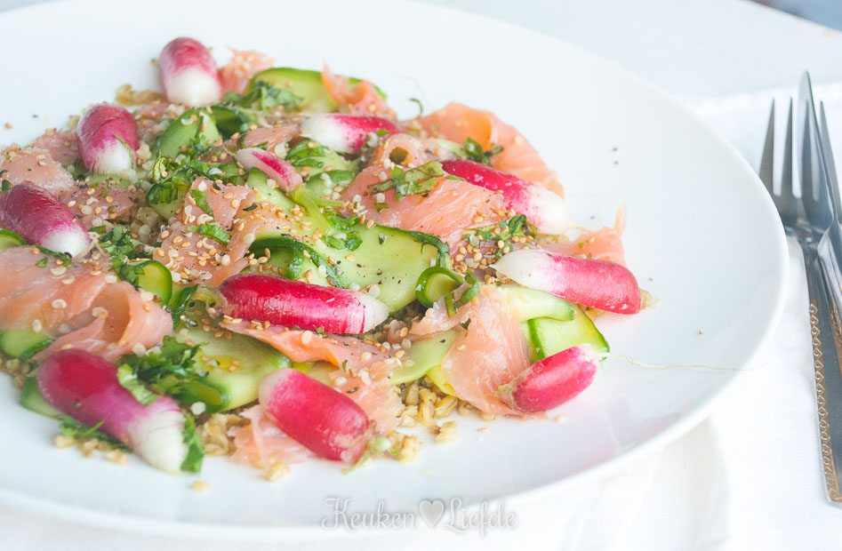 Slank & Snel: Freekeh-salade met gerookte zalm