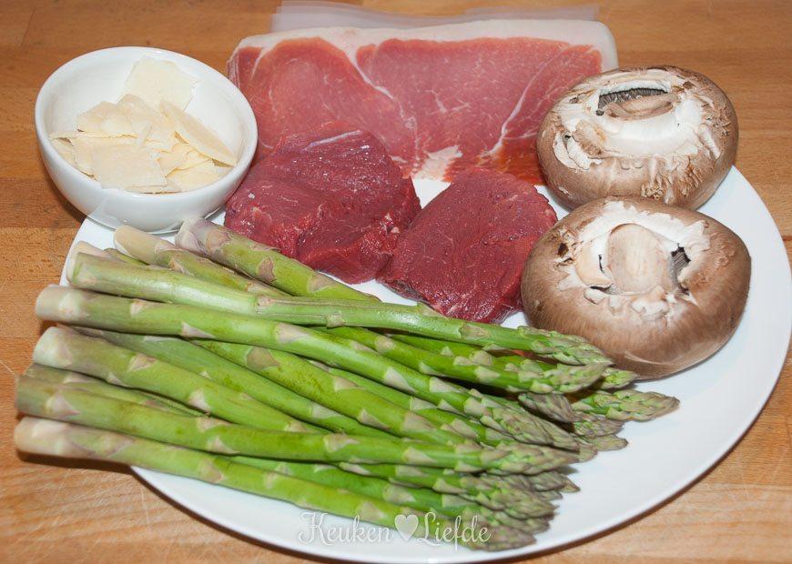 Gegrilde biefstuk met groene asperges-8585