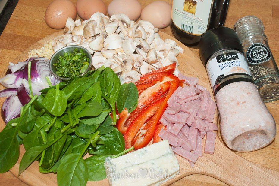 Omelet met gorgonzola en veel veggies-1