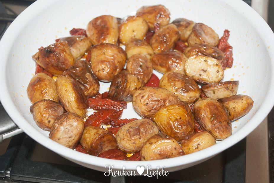 Aardappeltortilla met chorizo en feta-0694