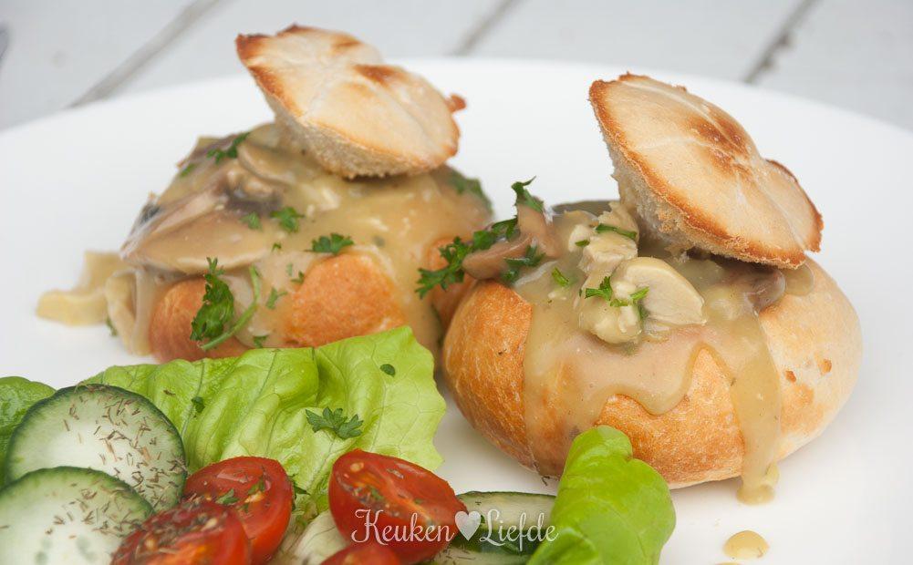 Gevulde broodjes met kippenragout