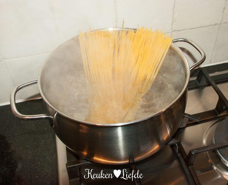 Spaghetti carbonara met doperwten en chorizo-0406