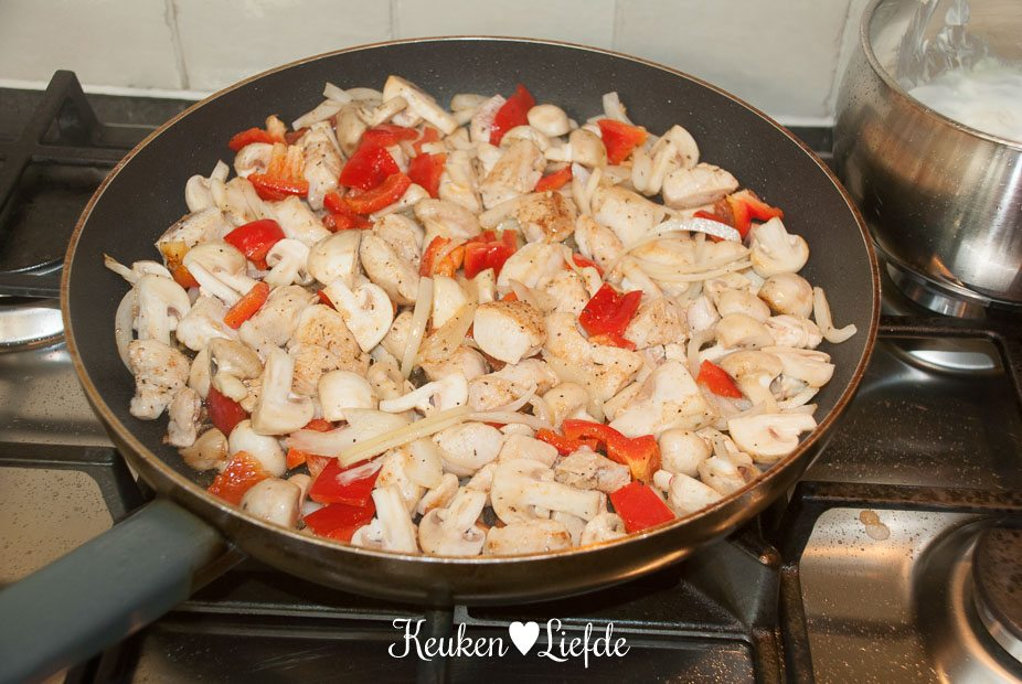 Stokbroodje hete kip-0377