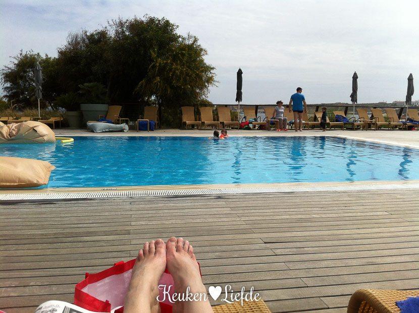 Een van de vijf zwembaden!