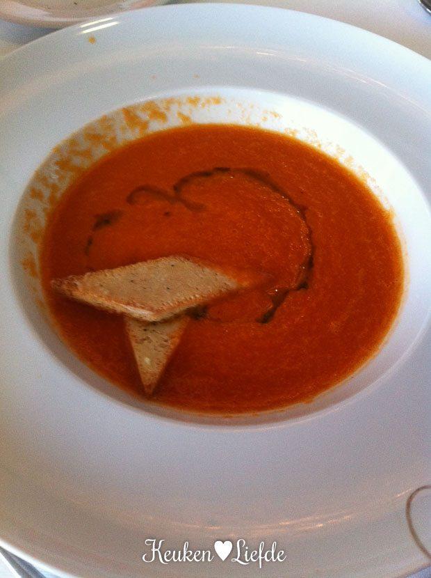Diner in restaurant O Terraco: verse tomatensoep voor Ella-Marie