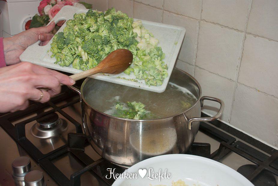 Fusilli met broccoli en vleesballetjes-1529
