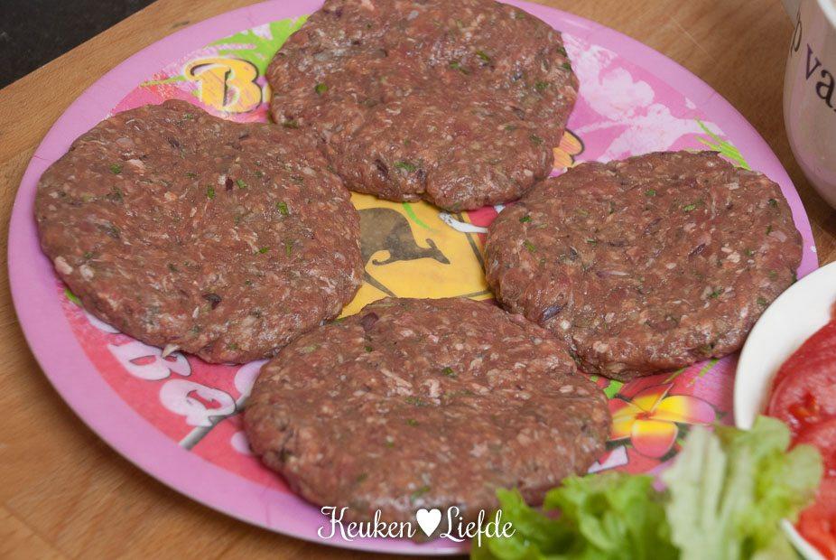 Chili-cheeseburger-2049