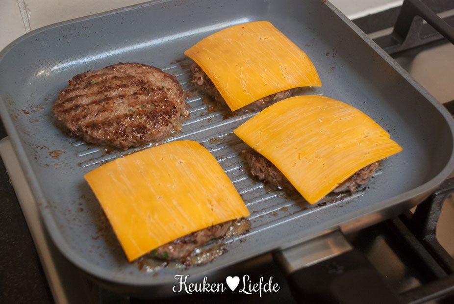 Chili-cheeseburger-2053