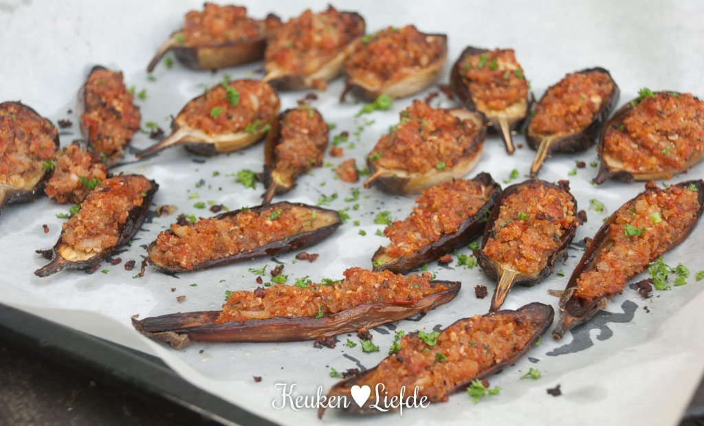 Gevulde aubergine met broodkruim