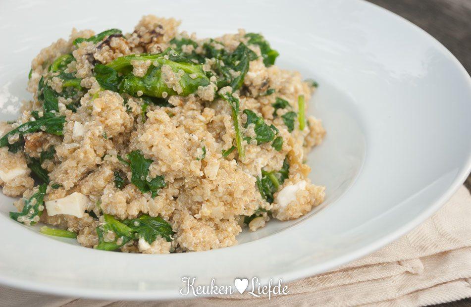 Lekker Snel: quinoasalade met aubergine en feta