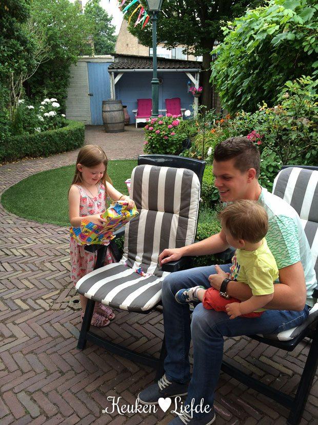 De twee jarigen en ons kleine neefje Levi.