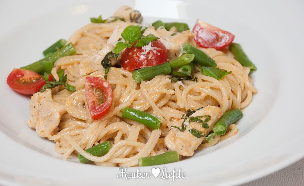Speels & Smakelijk: spaghetti met kip en sperziebonen