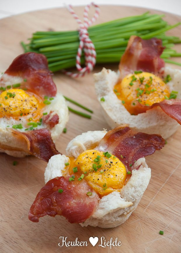 Broodbakjes met ei en spek-4853