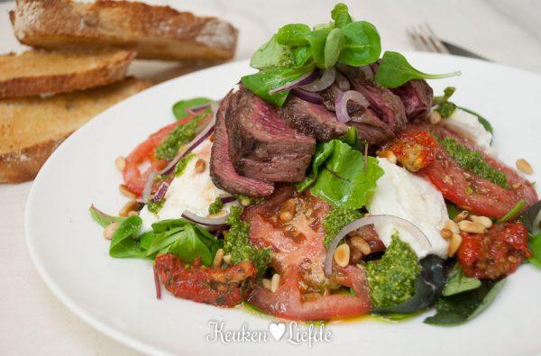 Mieks special: caprese salade met biefstuk