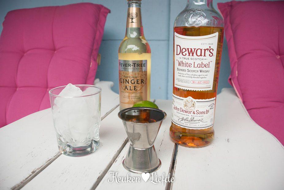 Zomercocktail met Dewar's whisky en ginger ale-4450