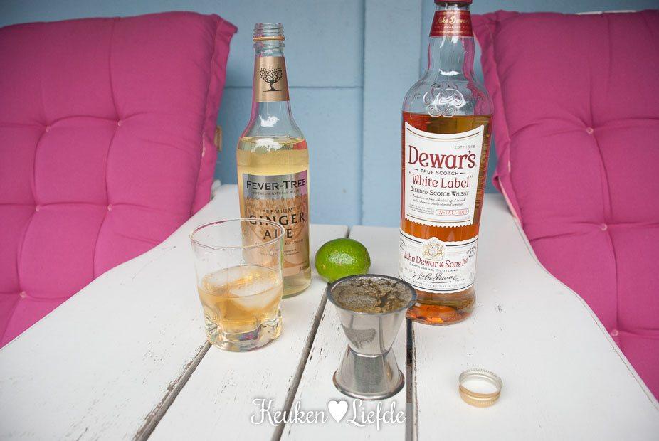 Zomercocktail met Dewar's whisky en ginger ale-4453