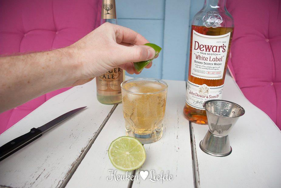 Zomercocktail met Dewar's whisky en ginger ale-4454