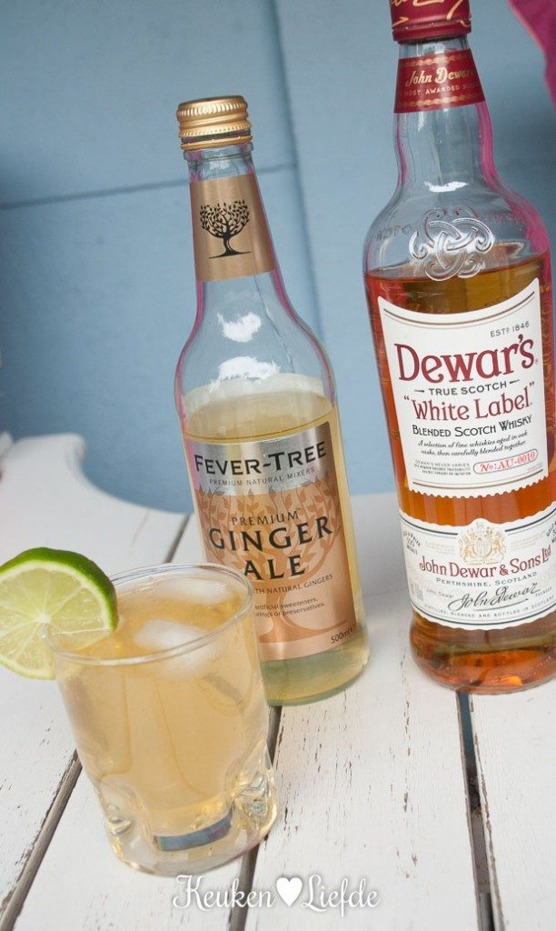 Zomercocktail: Dewar's whisky & ginger ale
