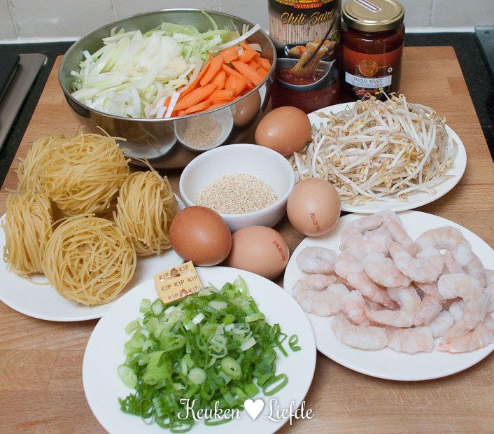 Chinese omelet met bami en chilisaus-5409