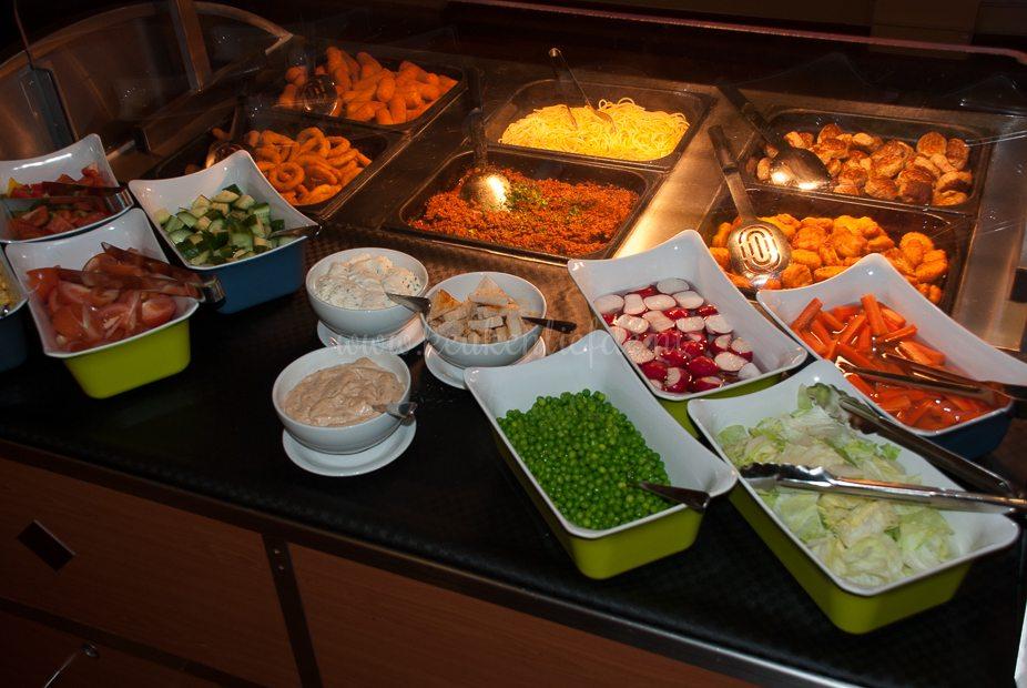 Het kinderbuffet: eindelijk eens zonder friet en mét groenten!