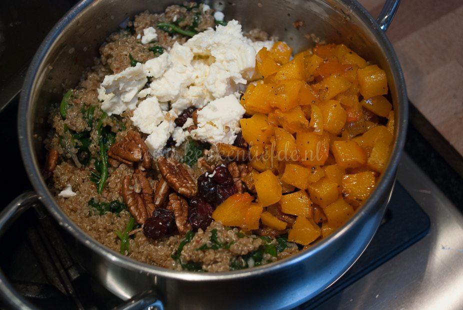 Quinoaschotel met pompoen-6042