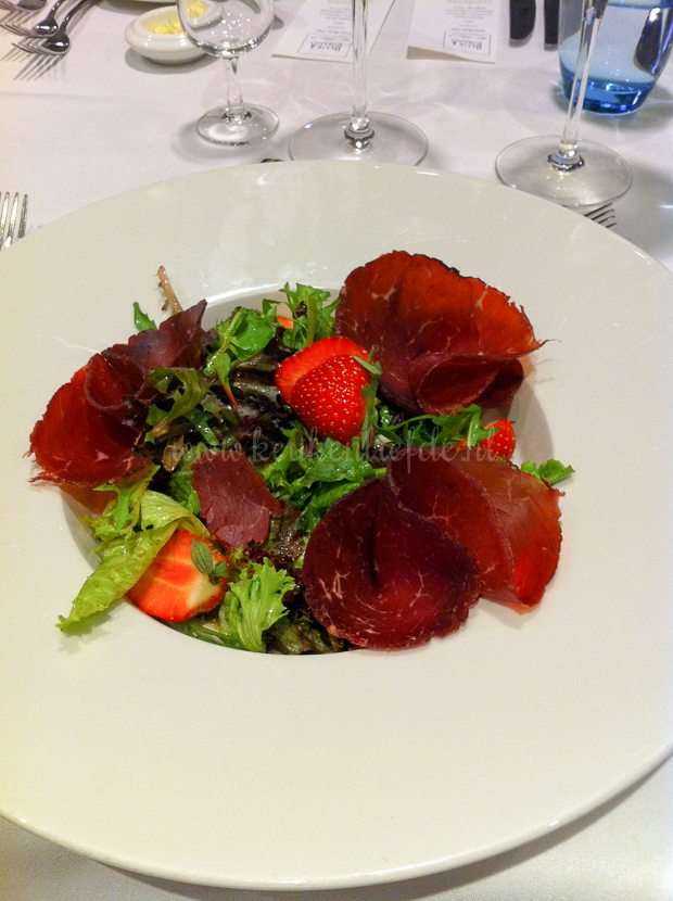 Bresaola salade met aardbei en Balsamico