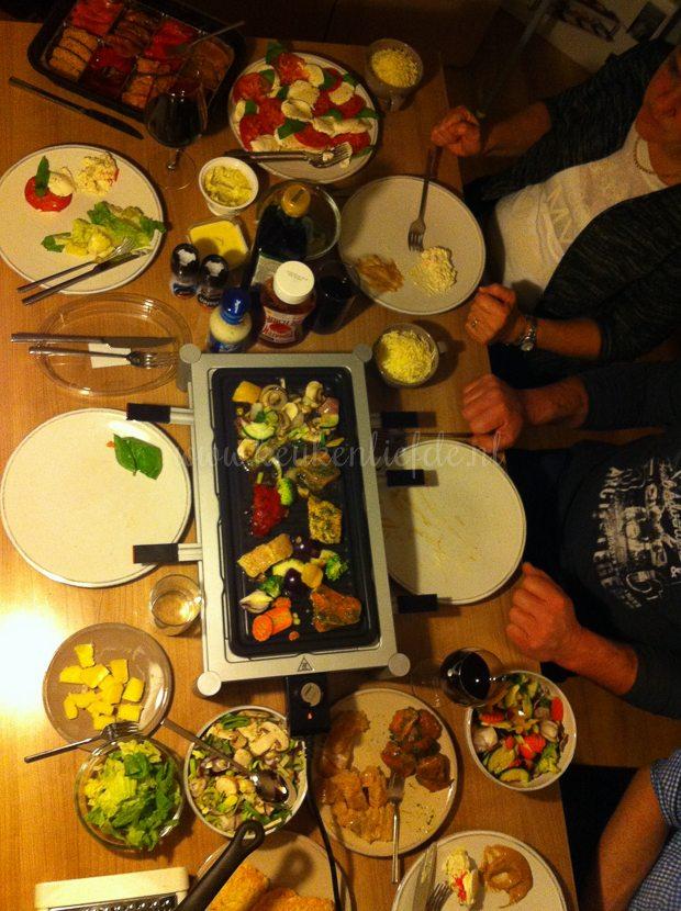 Gourmetten in ons huisje